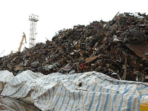 Nhập sắt thép phế liệu tăng đột biến, mỗi ngày hơn 11.000 tấn