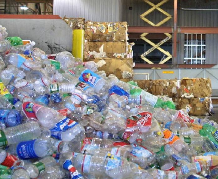 Thu mua phế liệu nhựa, vỏ chai lọ qua sử dụng